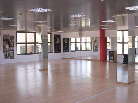 Salas clases colectivas estudios instalaciones fotos for Gimnasio villaviciosa de odon