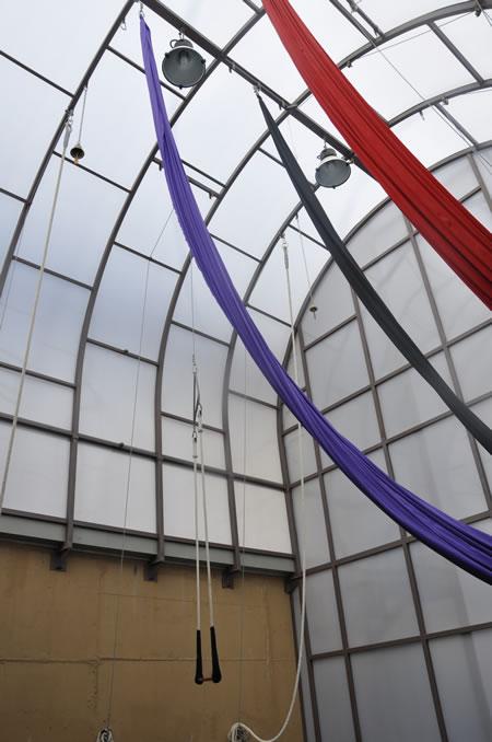 Telas acrobacia gimnasia acrobatica gimnasio corpore for Gimnasio villaviciosa de odon